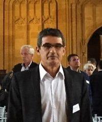 <b>Erasmo Simão</b>